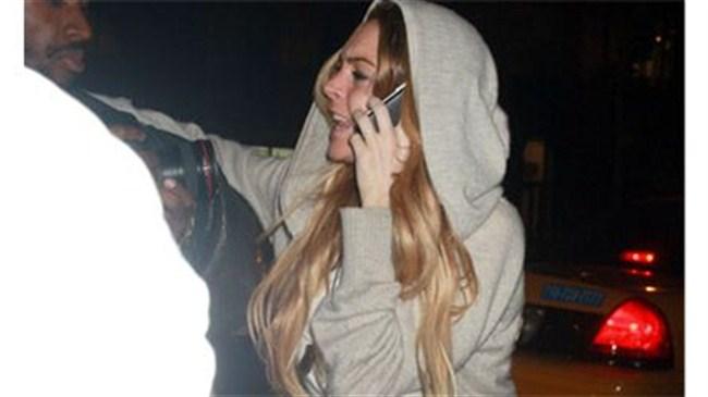 Lindsay'den paparazziye yumruk